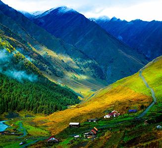 Exclusive Manali Shimla Honeymoon Package by car